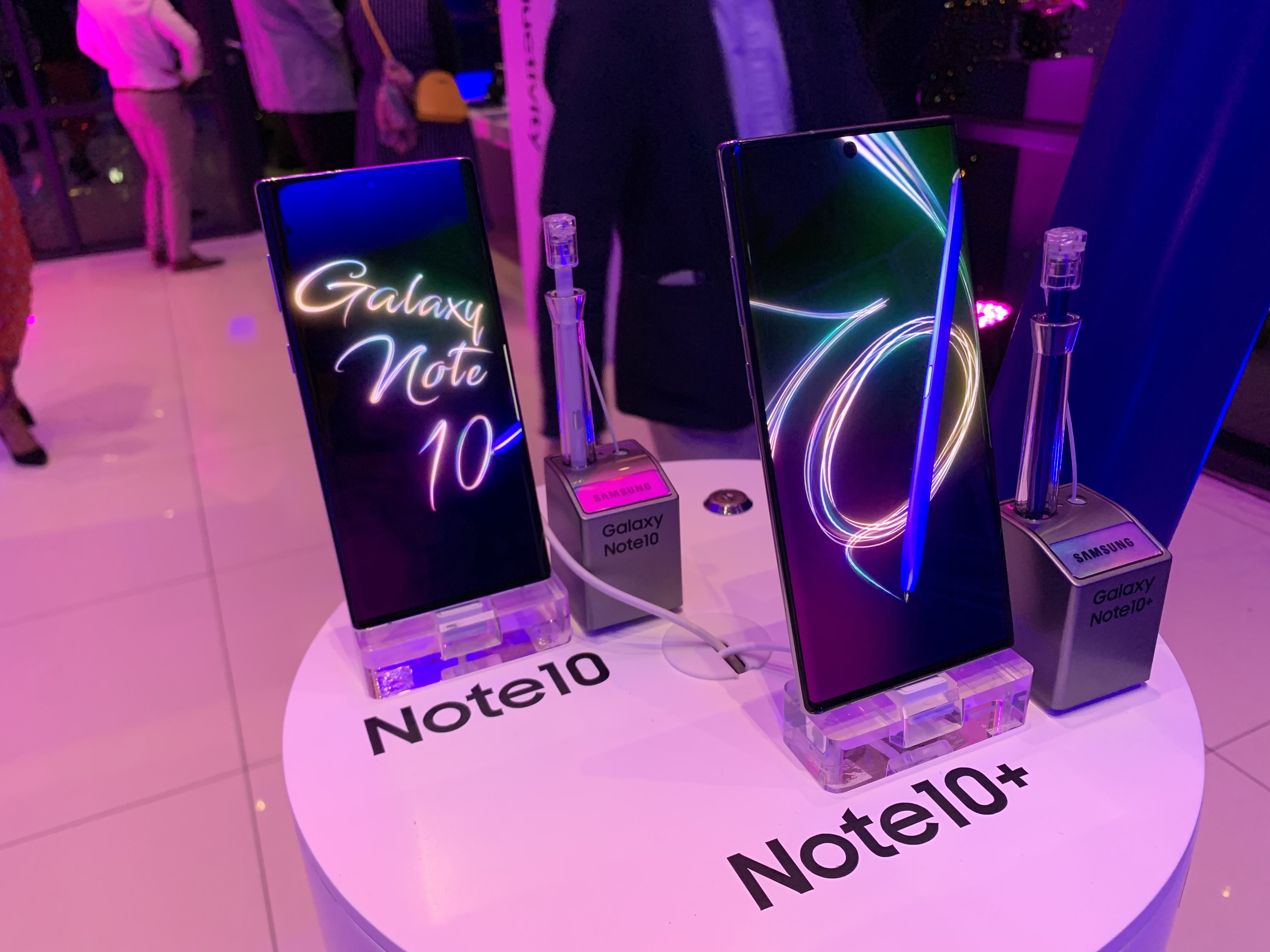 Samsung Note 10 pushes edge – Gadget