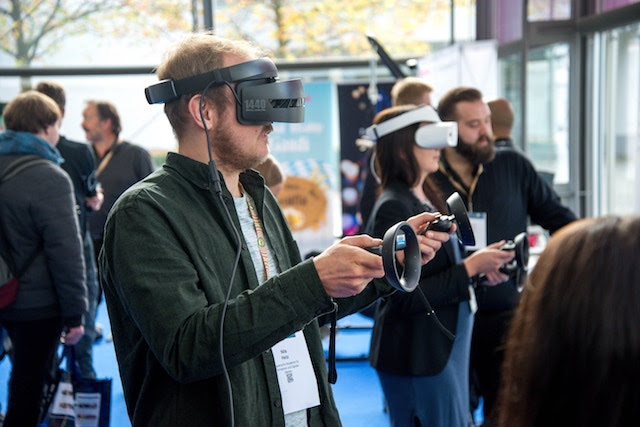 Stories can cut VR sickness - Gadget